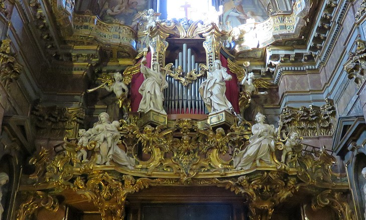 Organ and cantoria in S. Maria Maddalena