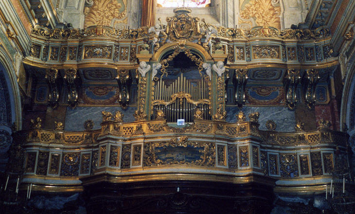 Organ and cantoria in S. Maria della Scala