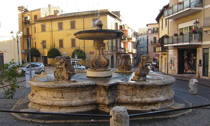 Velletri in the environs of rome - Mercatino di natale piazza mazzini roma ...
